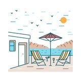 Ландшафт лета с парами шезлонгов, экзотических коктеилей и зонтика стоя близко здание гостиницы против гор иллюстрация вектора