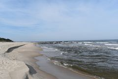 Ландшафт моря на ветреном дне, seashore, волнах и никто стоковое изображение rf
