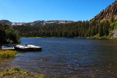 Ландшафт на дождливый день в Калифорния около мамонтовых озер стоковое изображение