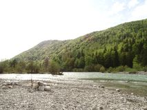 Ландшафт на реке Изаре около Fleck долины, Баварии стоковое фото