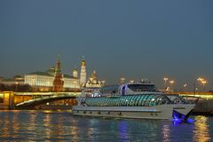 Ландшафт ночи большого города стоковая фотография rf