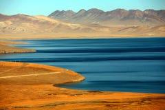 Ландшафт озера Pumoyongcuo стоковое изображение