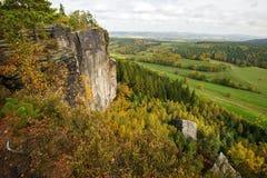 Ландшафт осени - красиво покрашенное все стоковое изображение