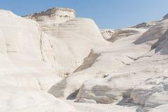 Ландшафт пляжа Sarakiniko лунный в Milos, островах Кикладов, Эгейском море, Греции Стоковое фото RF