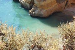Ландшафт португалки - †моря и утесов «юг Португалии Стоковое Фото