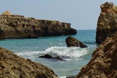 Ландшафт португалки - †моря и утесов «юг Португалии Стоковые Фото
