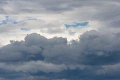 Ландшафт предпосылки облаков шторма лета Стоковые Изображения RF