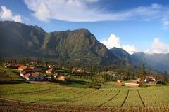 Ландшафт села Tengger стоковые изображения rf