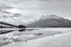 Ландшафт скалистой горы зимы Стоковые Фотографии RF