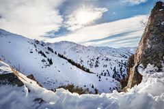 Ландшафт снежных гор стоковые фотографии rf