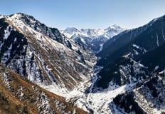 Ландшафт снежных гор стоковое фото rf