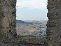 Ландшафт страны Андалусии увиденной высокорослое одним окном замка, Испания Стоковые Фотографии RF