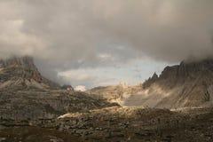 Ландшафт с горой, Италия стоковая фотография rf