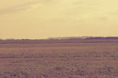 Ландшафт с далекими горами и заводами соли в Soligorsk в Республике Беларусь Стоковое Изображение