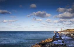 Ландшафт с маяком Conquet, Бретанью, Францией, атлантическим oc Стоковая Фотография RF