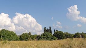 Ландшафт с промежутком времени облаков акции видеоматериалы