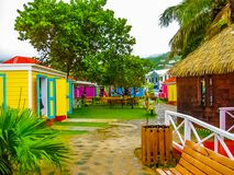 Ландшафт улицы городка дороги города в Tortola в карибском море стоковые изображения rf