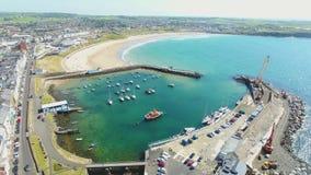 Ландшафт Portrush Атлантического океана антрима Северной Ирландии сток-видео
