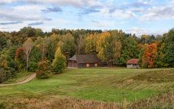 Ландшафт Rumsiskes Литва осени загородного дома Стоковое Изображение
