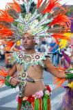 ЛАНСАРОТЕ, ИСПАНИЯ - 12-ое февраля: Человек в костюмах масленицы на Gran Стоковые Изображения