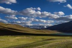Ландшафта озеро Tso Moriri enroute Стоковое фото RF