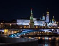 Ландшафты ночи Москвы, России, Кремля Стоковые Фотографии RF