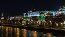 Ландшафты ночи Москвы, России, Кремля Стоковые Изображения RF