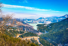 Ландшафты Snowy Озеро Plastira на зиме Греция стоковое фото