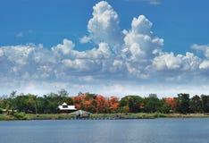 Ландшафт вида на озеро Стоковое Изображение RF