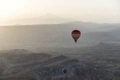 Ландшафт воздушного шара Турции горячий Стоковое фото RF