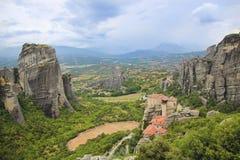 Ландшафт высоких и сильных утесов в горе Athos в Греции Стоковые Фотографии RF