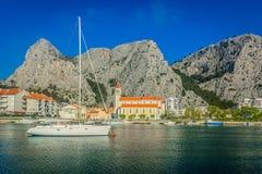Ландшафт в Omis Ривьере, Хорватии стоковое изображение