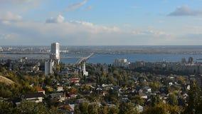Ландшафт города от высоты сток-видео