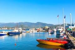 Ландшафт города панорамный с морским портом Батуми на курорте Чёрного моря лета Стоковые Фотографии RF