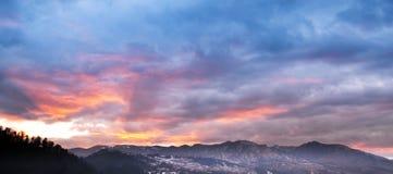 Ландшафт горы в заходе солнца Стоковое Фото