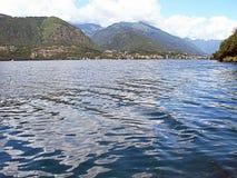 Ландшафт горы и озеро Orta в Италии Стоковое Фото