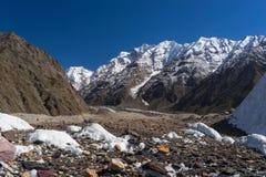 Ландшафт горы на всем пути к K2 базовому лагерю, Пакистан Стоковые Фото