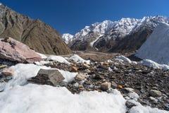 Ландшафт горы на всем пути к K2 базовому лагерю, Пакистан Стоковые Изображения