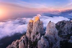 Ландшафт горы на заходе солнца Изумительный взгляд от горного пика Стоковое фото RF