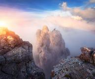 Ландшафт горы на заходе солнца Изумительный взгляд от горного пика Стоковое Изображение