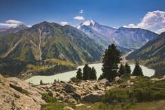 Ландшафт горы озера стоковое фото rf