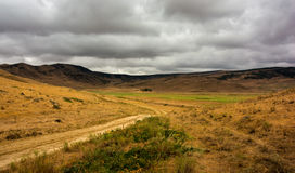 Ландшафт горы перед дождем стоковая фотография