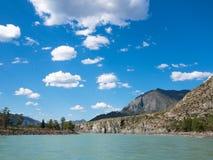 Ландшафт горы с Green River Стоковое фото RF