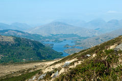 Ландшафт гор и озера в кольце Керри весной Стоковые Фотографии RF