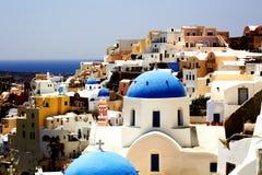 Ландшафт. Голубые и белые здания Santorini Стоковая Фотография RF