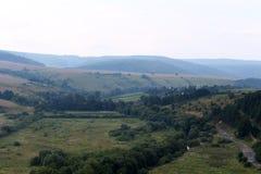 Ландшафт лета с красивыми горами Стоковые Изображения
