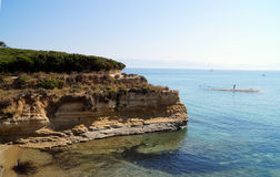 Ландшафт лета с утесами и морем Корфу, Греция, адриатическое побережье Стоковая Фотография RF