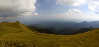 Ландшафт лета na górze прикарпатской горы Стоковое Изображение RF