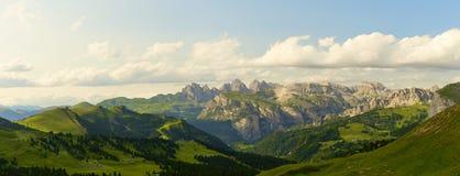 Ландшафт живописных итальянских доломитов панорамный Стоковая Фотография
