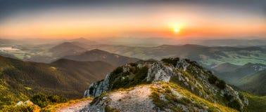 Ландшафт захода солнца Стоковое Фото